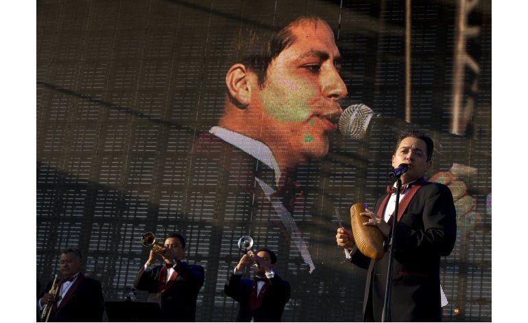 Vive Latino cierra con poesía náhuatl, Venegas y Brujería