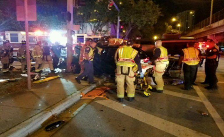 Aparatoso accidente dejó a una persona fallecida y cuatro heridos en el Downtown