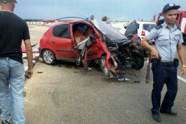 al borde de la muerte conductor que impacto contra un poste en la habana