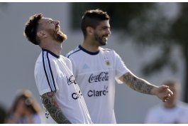 mundial: argentina recibe a chile en duelo clave para rusia