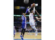 westbrook alcanza 35to triple-doble, thunder arrasa a 76ers