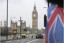 lo ultimo: reabren el puente de westminster al trafico