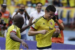 con apuros, pero colombia revive en eliminatoria