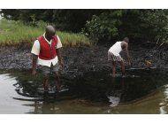 acusan a shell de ocultar riesgos por derrame en nigeria