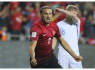 espana e italia se alejan como lideres de su grupo