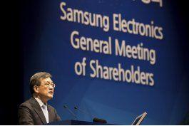 samsung: accionistas celebran ganancias, lamentan escandalo