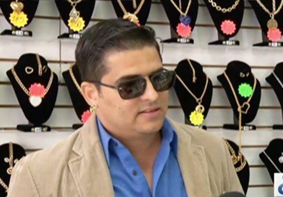 Habla dueño de joyería en la Calle 8 acusado de vender prendas falsas valoradas en 31 millones de dólares