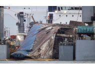 corea del sur: aseguran ferry hundido a barco de carga