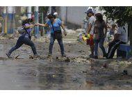 pueblo ahogado en barro expone realidad de otros 800 en peru