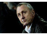 barcelona dedicara estadio a johan cruyff