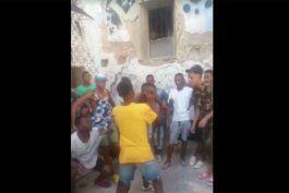 juicio a un pandillero cubano termina a golpes