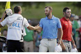johnson barre la serie de torneos mundiales del golf