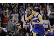 warriors dominan en el ultimo cuarto para vencer a grizzlies