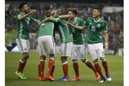 mexico busca mantener la punta del hexagonal