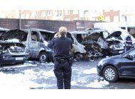 queman autos policiales en hamburgo en protesta contra g20