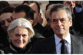 francia: presentan cargos preliminares a esposa de fillon