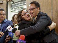 exoneran a hombre despues de pasar 20 anos en prision