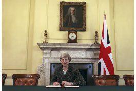 may promete acuerdo de brexit para todos en reino unido