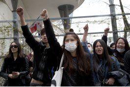 muerte a manos de policia expone enojo de chinos en francia