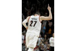 blazers vencen a nuggets y estan en zona de playoffs