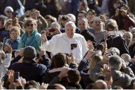 el papa pide proteccion urgente para los civiles en irak