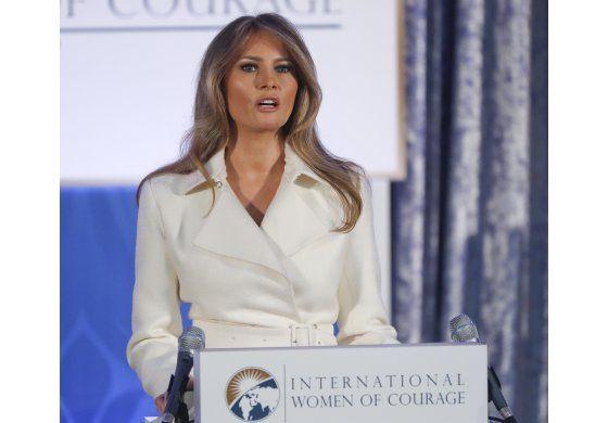 Melania Trump presenta premios a mujeres valientes