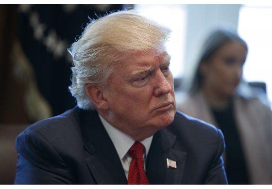Estadounidenses desaprueban manejo de Trump en tema de salud