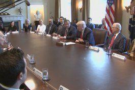 presidente trump crea comision para enfrentar la  epidemia  de adiccion a la cocaina y opiaceos