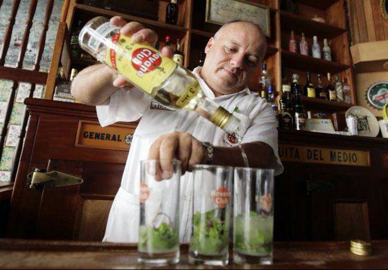 Congresistas piden revertir decisión sobre marca de ron Havana Club en EEUU