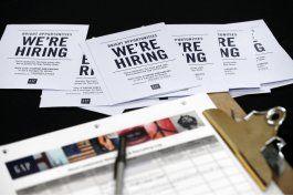 disminuyen solicitudes de ayuda por desempleo en eeuu