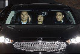 surcorea: encarcelan a expresidenta por caso de corrupcion