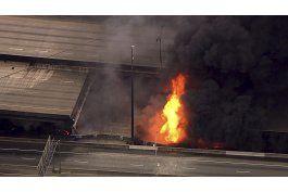 incendio provoca derrumbe de puente carretero de atlanta