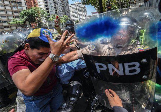 Venezuela: oposición resiste a enfrentamientos en las calles