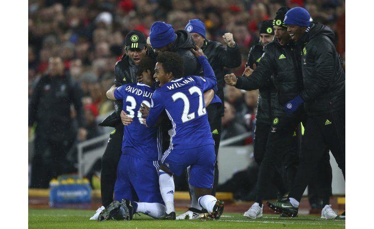 Europa: Chelsea cerca del título, derbi en Italia