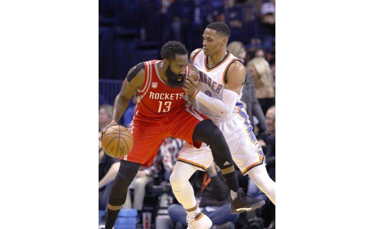 Westbrook-Harden, duelo que acapara la atención en playoffs