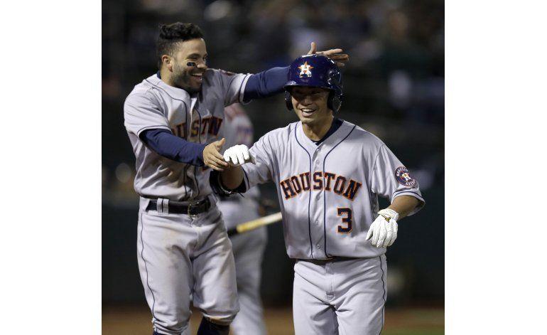 Astros derrotan 7-2 a Atléticos en una buena noche de Aoki