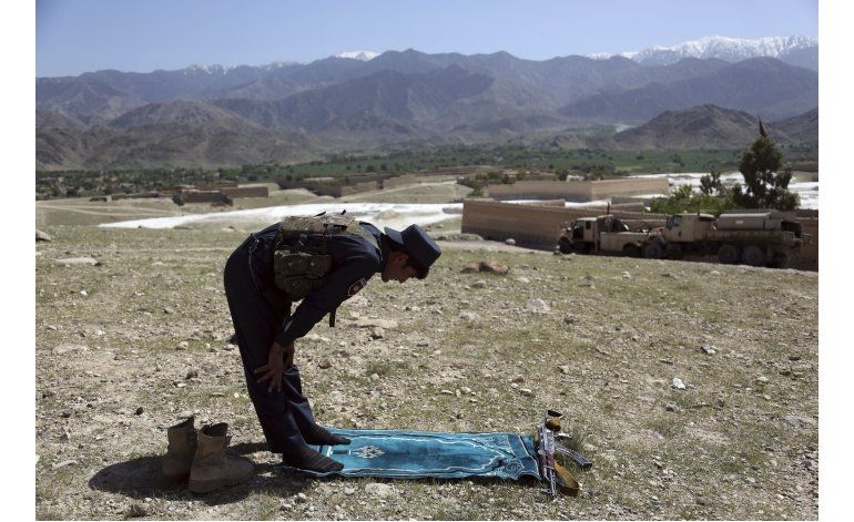 Afganistán eleva a 94 los muertos por la gran bomba de EEUU