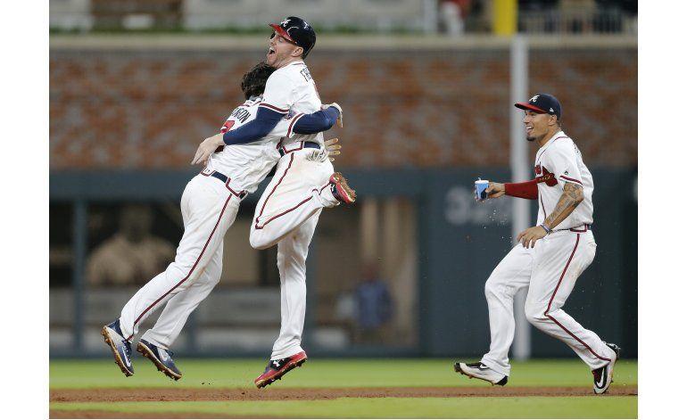 Freeman y Swanson comandan triunfo de Bravos ante Padres