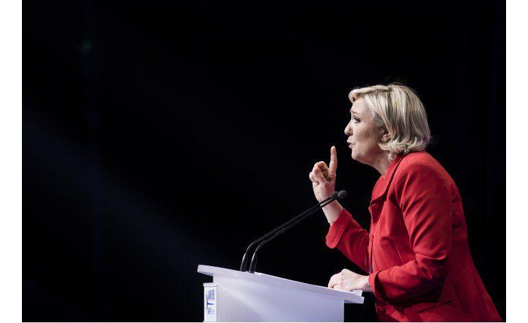 Le Pen quiere congelar visas y cobrar tasas a inmigrantes