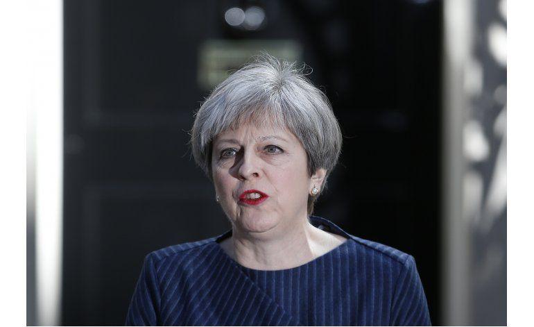 Theresa May propone adelantar elecciones en Gran Bretaña