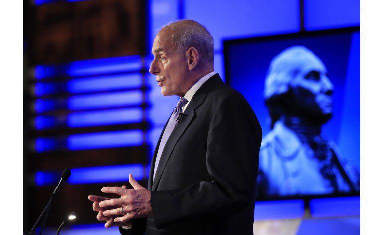 Kelly a congresistas: cambien la ley migratoria o cállense