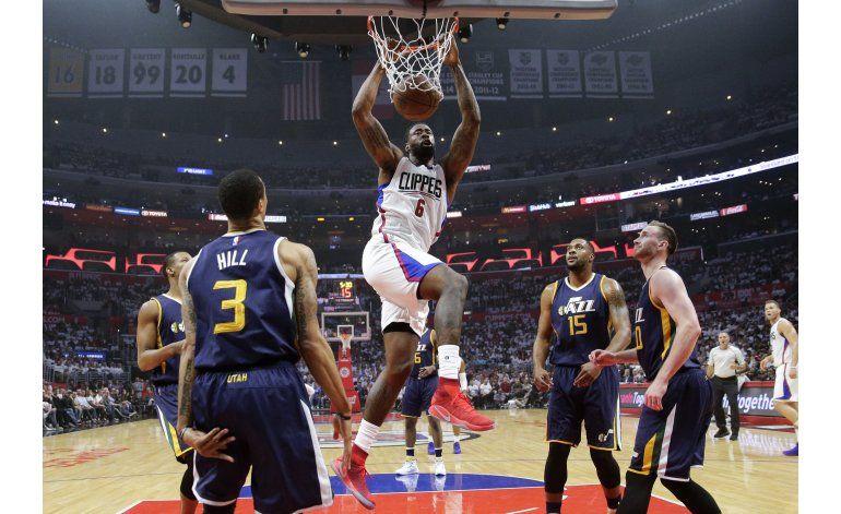Clippers derrotan al Jazz 99-91, la serie queda 1-1