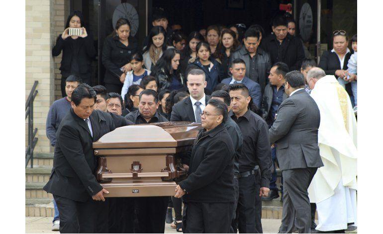 NY: entierran a otro joven hispano posible víctima de MS-13