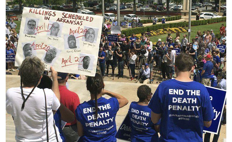Arkansas sufre dos reveses en su plan de ejecución de reos