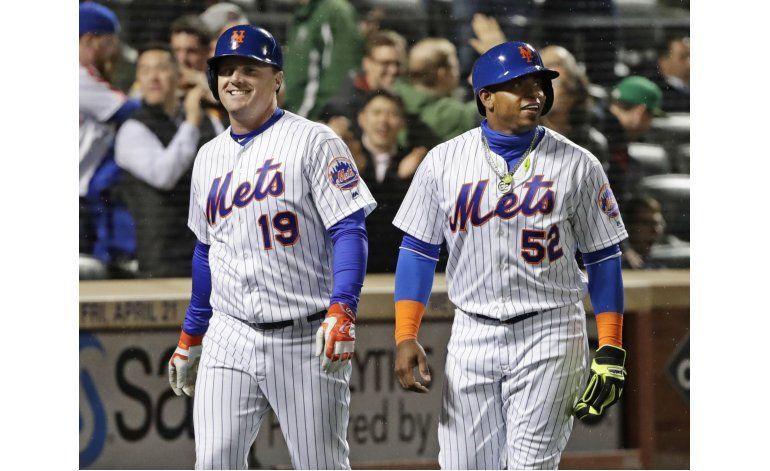 Jonrones de Bruce encaminan triunfo de Mets ante Filis