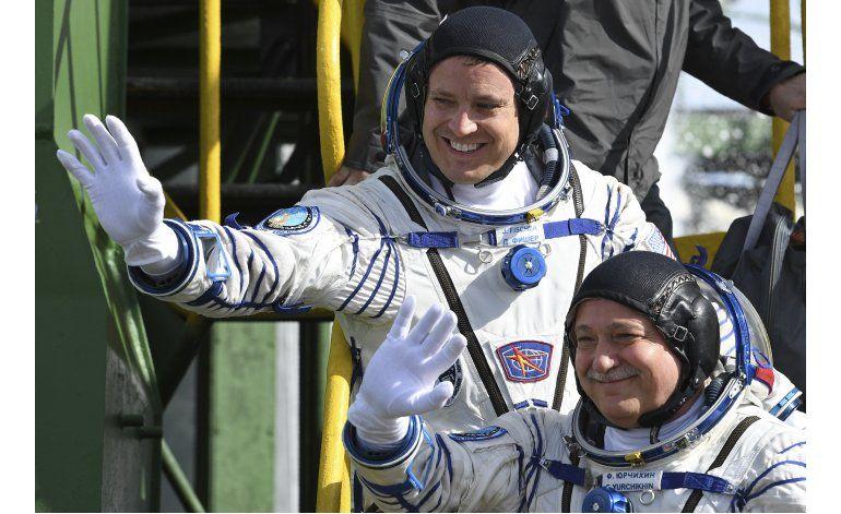 Despega una cápsula espacial Soyuz con dos tripulantes
