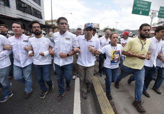 Realizan Marcha del Silencio en Caracas