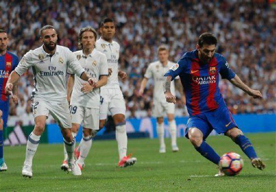 Messi desangra al Madrid y el Barsa da un vuelco a la liga