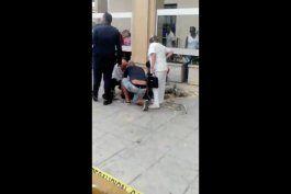 obrero cae del segundo piso de un hotel en la habana