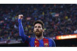 barcelona golea 7-1 a osasuna y aprieta al madrid